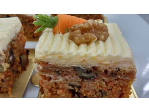 No-Frill World's Best Carrot Cake (per lb)