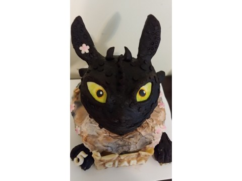 Toothless dragon cake