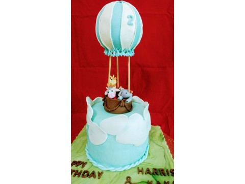 Animal Air Balloon Cake