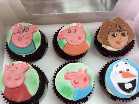 Customised Cupcakes 7