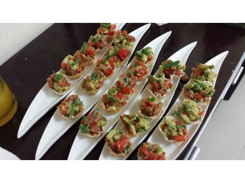 Avocado Salsa in wonton cups