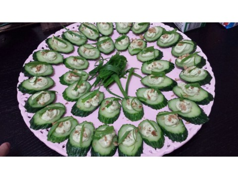 Cucumber bites with cream Cheese